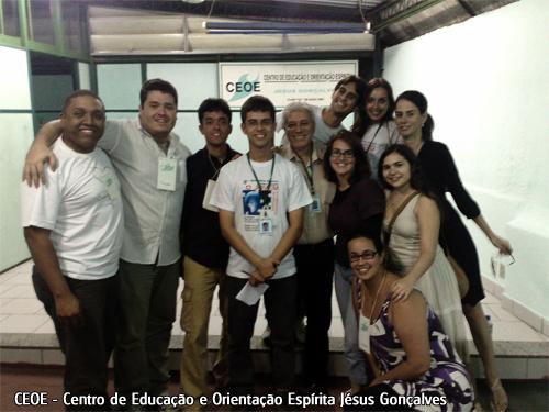 integrantes do GEAMA junto aos membros da diretoria e jovens trabalhadores do CEOE